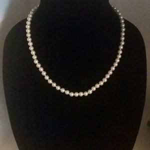 Classic Freshwater Cultured Pearl Necklace